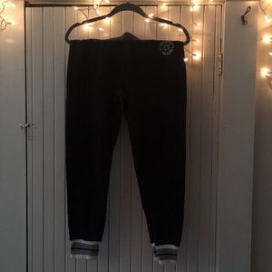 Sweatpants converse